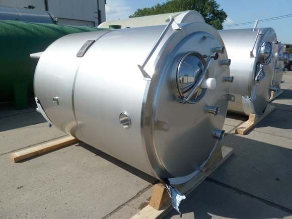 General overview of our new and used stainless-steel tanks